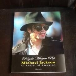 Regele muzicii pop Michael Jackson. O viata in imagini